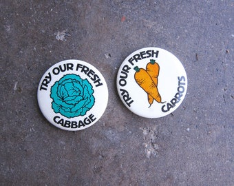 Cabbage & Carrot Vegetable Pins Metal PinBack Brooch Buttons Vintage Pin Retro Hipster Jewelry Lapel Pin Circle Pin Farmer's Market Food
