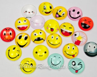 20 Pack 20mm Emoji Glass Circle Cabochons, Mixed Expressions, Emotions