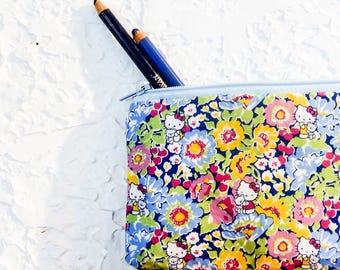 Floral Pencil Case/ Make Up Bag/ Floral Gift for Her/ Gift for Mom/ Gift for Wife/ Bridesmaid Gift/ BFF Gift/ Gift for Artist/ Pencil Pouch