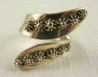 Size 9.25 Vintage Mexican Sterling Floral Wrap Ring