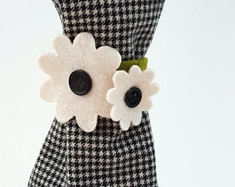 Wine Bottle Cover - Recycled wool sweaters - Houndstooth Check Gift Bag w/ White Flower Tie