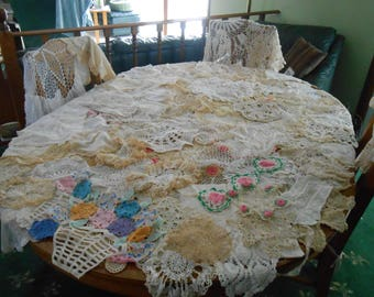 Vintage lot of over 100 Beautiful doilies