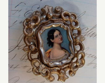 ONSALE Antique Art Deco Victorian Scratched portrait brooch gold frame