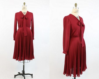 70s Dress Miss Elliette Medium Large / 1970s Vintage Dress Pleated Full Skirt / Oxblood Wine Dress