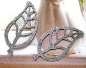 4 pcs  Antique silver big leaf charm / findings (CM-028)