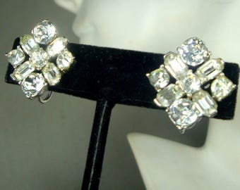 1950s Rhinestone Screwback Earrings, Faceted White Leaded Glass , Wonderful Sparkles, Immaculate Bridal and Hollywood Elegance