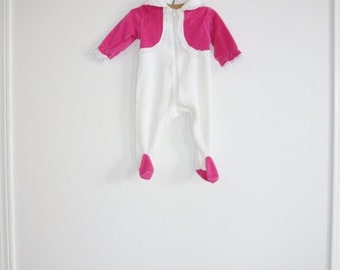 SALE // Vintage Pink and White Sleeper