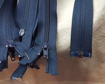 "17"" YKK Coil 5mm One Way Separating Navy blue Plastic Zipper"