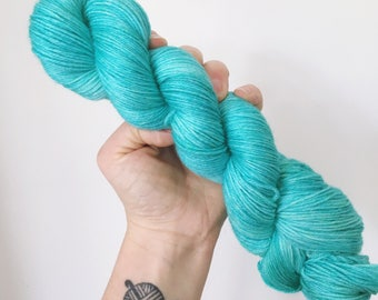 Jade - Hand dyed 4ply/sock yarn 100g/400m superwash merino, bamboo blend