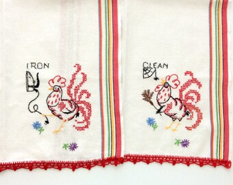 2 Kitchen Towels Embroidered Iron Clean Red Crochet Roosters