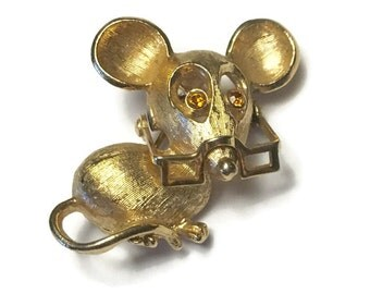 Avon Mouse Pin Topaz Rhinestone Eyes Moveable Glasses Spectacular Mouse 1972 Vintage