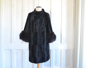 60s MOD Coat Borella by Sportowne Crushed Velvet Coat with Fur Cuffs - large to extra large