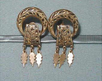 Victorian Taille D'Epargne Screw back Earrings