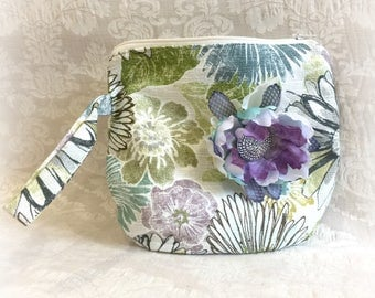 Floral Purse - Floral Wristlet - Wedding Clutch - Flower Brooch - Flower Clutch - Clutch Purse - Floral Bag - Zipper Pouch - Handmade USA