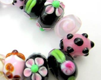 17  Black lampwork beads handmade glass bead strand black pink  beadwork supplies bead set applied flowers (SB1),