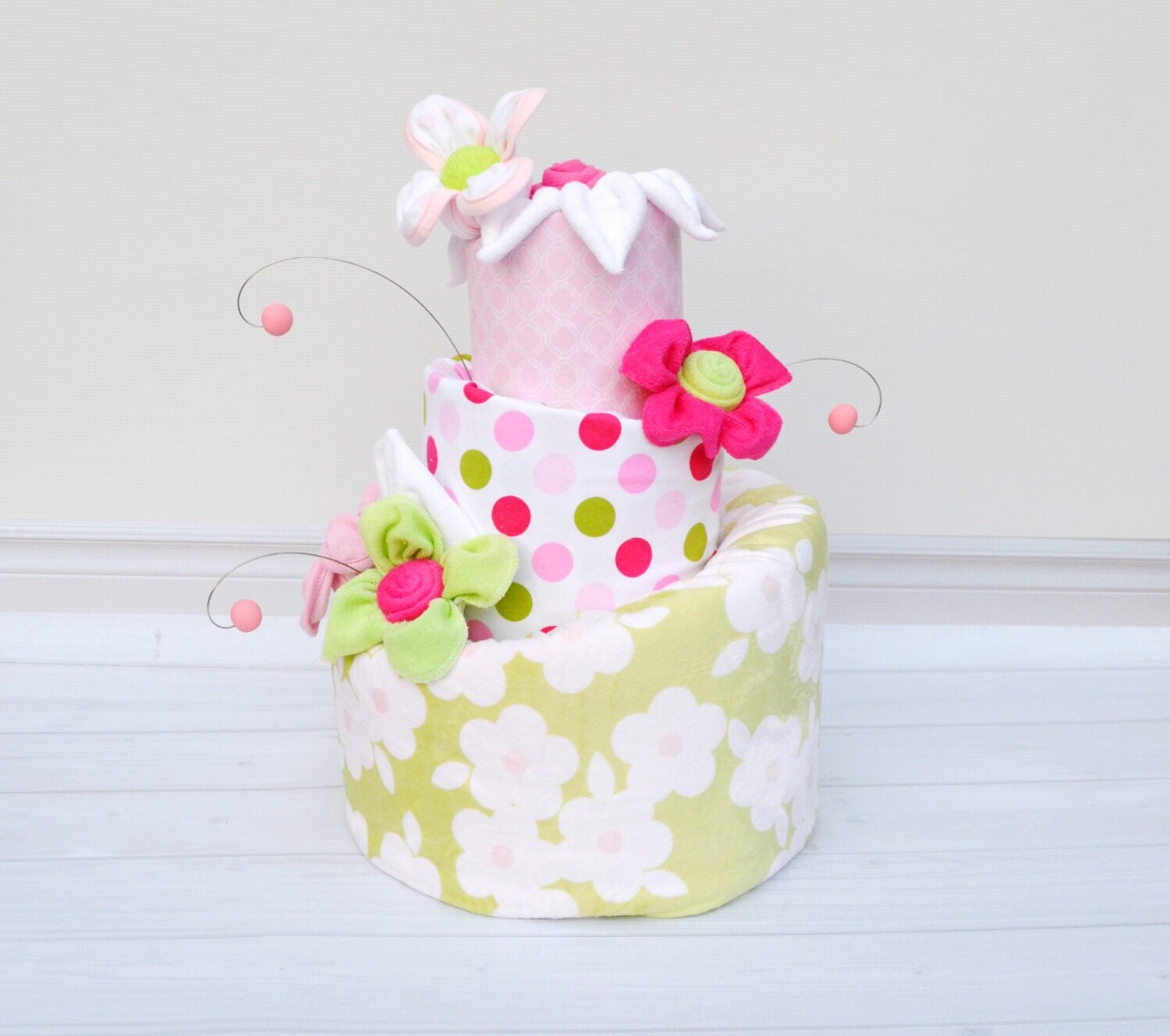 Diaper cake pink and green baby shower floral diaper for Baby shower decoration diaper cake