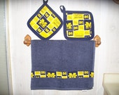 2 Michigan Wolverines Pot Holders with Dish towel