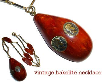 Bakelite Vintage Necklace. Rust Orange Bakelite & Chrome All Original. 1940s USA. Tested and Guaranteed to be authentic vintage bakelite.