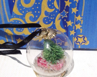 Handmade miniature Christmas dome pendant necklace with Christmas present, tree and snow. Christmas ornament.