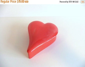Christmas Sale Vintage Valentine Heart Shaped Covered Dish