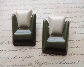 vintage door knocker earrings cream and green statement pierced earrings 80s fashion