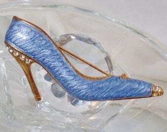 SALE Vintage Ice Blue Enamel Shoe Brooch.  Blue Rhinestone High Heel Shoe Pin.