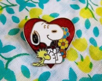 Vintage Peanuts Snoopy Woodstock Aviva Enamel Pin Heart Flowers