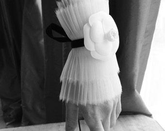 NEW White or Black Silk Organza Detachable Ruffle cuffs/Pleated Cuffs/High cuffs/Detachable cuffs/Black and White/ wrist ruffle/ rusteam