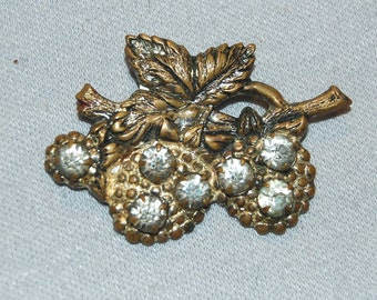 Vintage / Antique / Victorian / Rhinestone / Brooch / C Clasp / Collectible / old jewelry