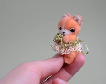 Artist miniature fox toy, dollhouse miniature, stuffed toy for girl, soft toy for gift, collectible mini toy, kawaii mini fox cub