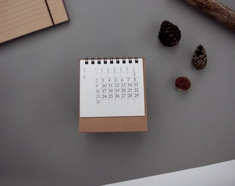 mini desk calendar