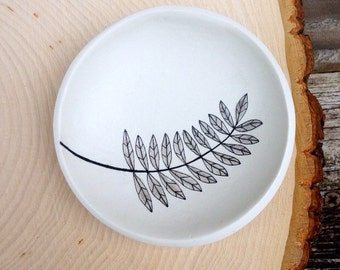 Ring dish, fern jewelry dish, engagement ring dish, plant lady, gifts for gardeners, fern art plate, Botanical decor, mom gift mom
