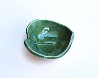 Tiny Green Leaf Bowl - Ceramic, Pottery - Ring Dish, Bridesmaid Gift, Wedding or Shower Favor, Jewelry Dish, Tea Bag Rest,  Ring Bowl