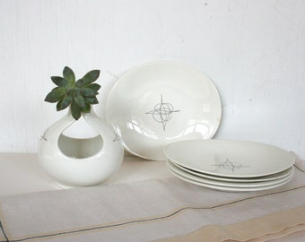 Lot of Eva Zeisel dishes in Fantasty pattern. Hallcraft, mid century, atomic dishes, dessert plates, saucers, sugar bowl, vase, black, white