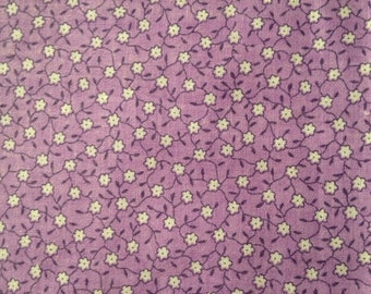Lavender white Calico Floral Pattern Cotton Quilting Fabric Purple Flowers