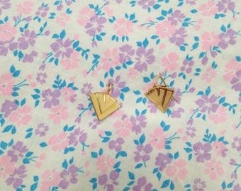 SALE Vintage 1980s Small Gold Colored Fan Shaped Minimalist Triangle Earrings
