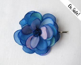 Blue and mauve silk rose hair pin - hand painted silk rose bobby pin - wedding hair pin - ***Item on sale*** Previous price : 13.50 EUR