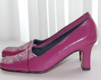 1980s Magenta Brand new Shoes, 80s Shoes, Magenta Italian retro Leather Shoes, Black Square Toe Pumps, Square Toe Heels
