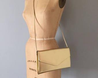 30% OFF SALE... gold shimmer clutch | 1980s golden envelope purse