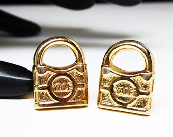 YALE Padock Cuff Links - Gold Tone Figural Lock CuffLinks - Vintage Yale Locks - Novelty Salesmen Jewelry - Mens Fashions - Vintage 1960s