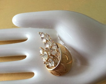 Amazing  1950's vintage gold and rhinestone brooch