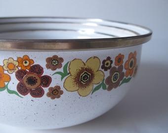 vintage metal mixing bowls