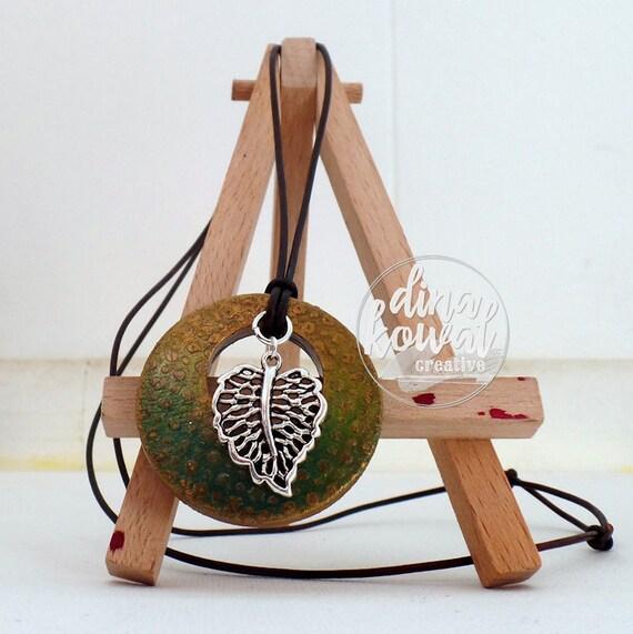 Leaf wood pendant