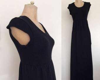 30% OFF 1970's Black Knit Vintage Sweater Maxi Dress Size XS Small Medium by Maeberry Vintage
