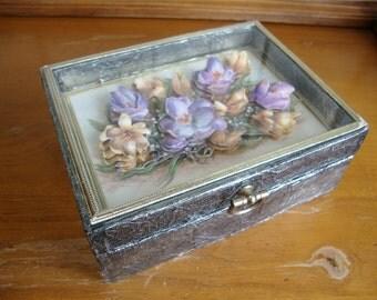 Vintage 3D Paper Art Trinket Box Spring Crocuses Vintage Shadow Window Box