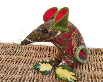 PAISLEY a Retro Mouse in a Mod 60s 70s  Green and Red Vintage Fabric