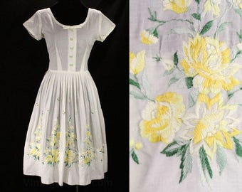 Size 8 Yellow Summer Dress - 1950s Cotton Sun Dress - Yellow Roses Embroidery - Border Pattern Full Skirt - Short Sleeve - Waist 27 - 48842