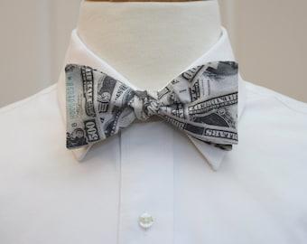 Men's Bow Tie US money design, 500 bucks bow tie, US money bow tie, Wall St gift bow tie, witty financial bow tie, US greenback bow tie