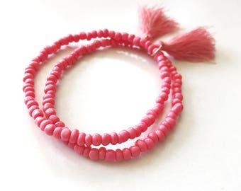 Beaded Tassel Yoga Bracelet, Small Coral Pink Seed Beads Stretch Minimalist Stacking Festival Jewelry, Boho Bohemian Simple Skinny Elastic
