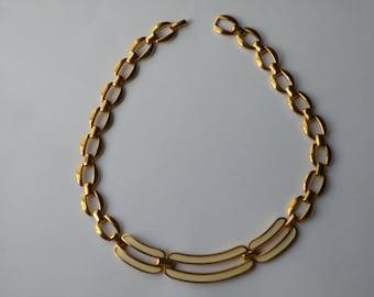 NAPIER Creamy Enamel Gold Tone Link Choker Necklace